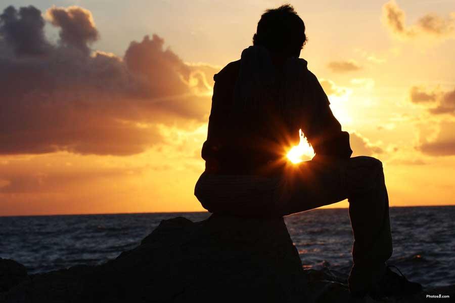 man_watching_sunset_sky-oth